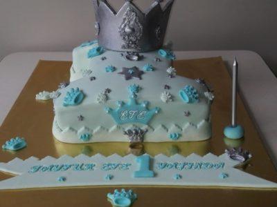 1 yaş pastasi