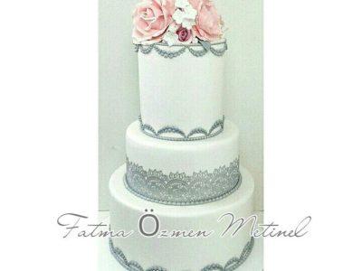 Zarif Düğün Pastası